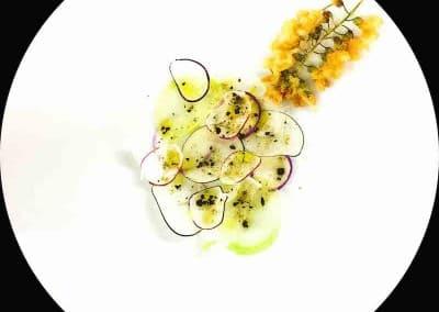 Radis et fleurs d'accacia