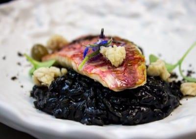 Rouget et risotto à l'encre - calamar